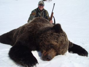 hunting brown bear with outfitter, kulu safaris, Magadan, Russia