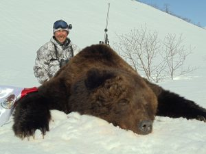 Guided hunts for brown bear, outfitter Kulu Safaris