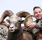 Renne Snyder snow sheep hunting in Magadan, Russia