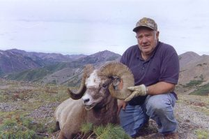 Snow sheep hunting, mountain view, Magadan, Russia with Kulu Safaris