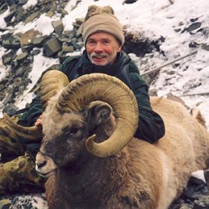 snow sheep hunting in russia with Kulu Safaris